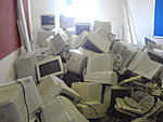 Must stop hoarding monitors.-dsc00117.jpg