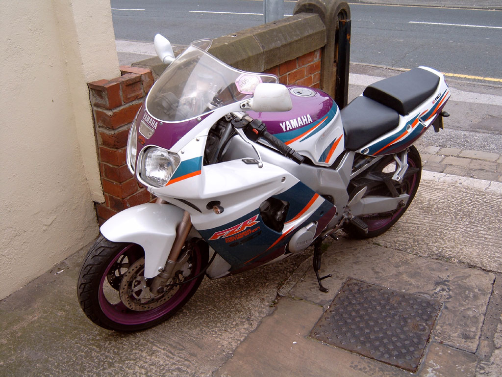 `94 FZR600 - My ex-boss's bike, which was formerly my mate Daz's bike, which is now my other mate Nobby's bike.