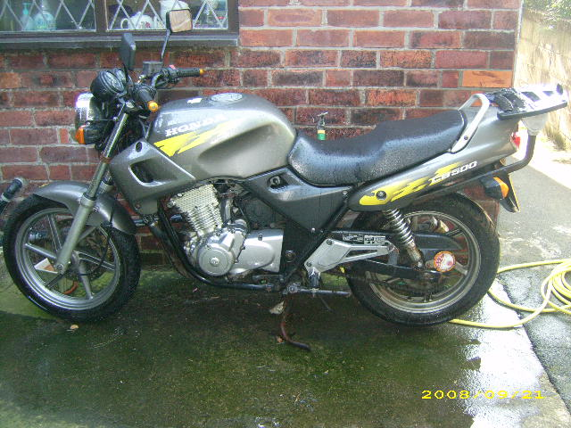 Moved on to summat more suitable for the riding I was doing - `97 CB500 - the Mito was fun but not for long-haul trips etc.